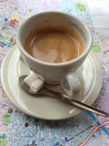 Espresso mit schönen Schaum.
