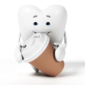 Zahn_und_Kaffeebecher